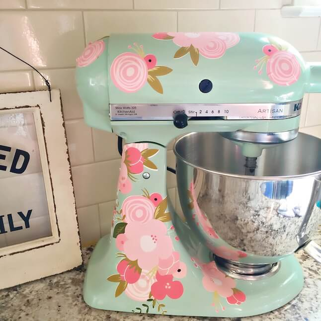 DIY kitchen-aid mixer using printable vinyl